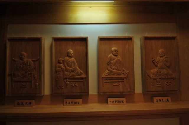 教学院の仏像